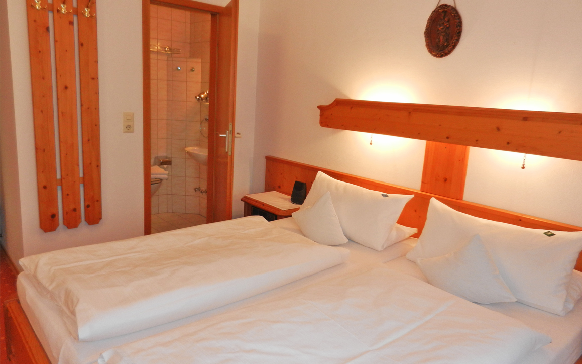 Zimmer 3 - Zimmer & Wohnungen