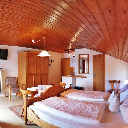 Zimmer 4 2 540x540 - Zimmer Nr. 4