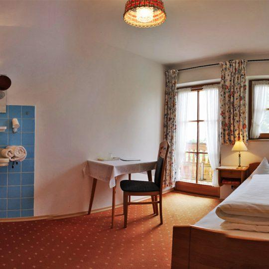 Zimmer Nr 2  540x540 - Zimmer Nr. 2