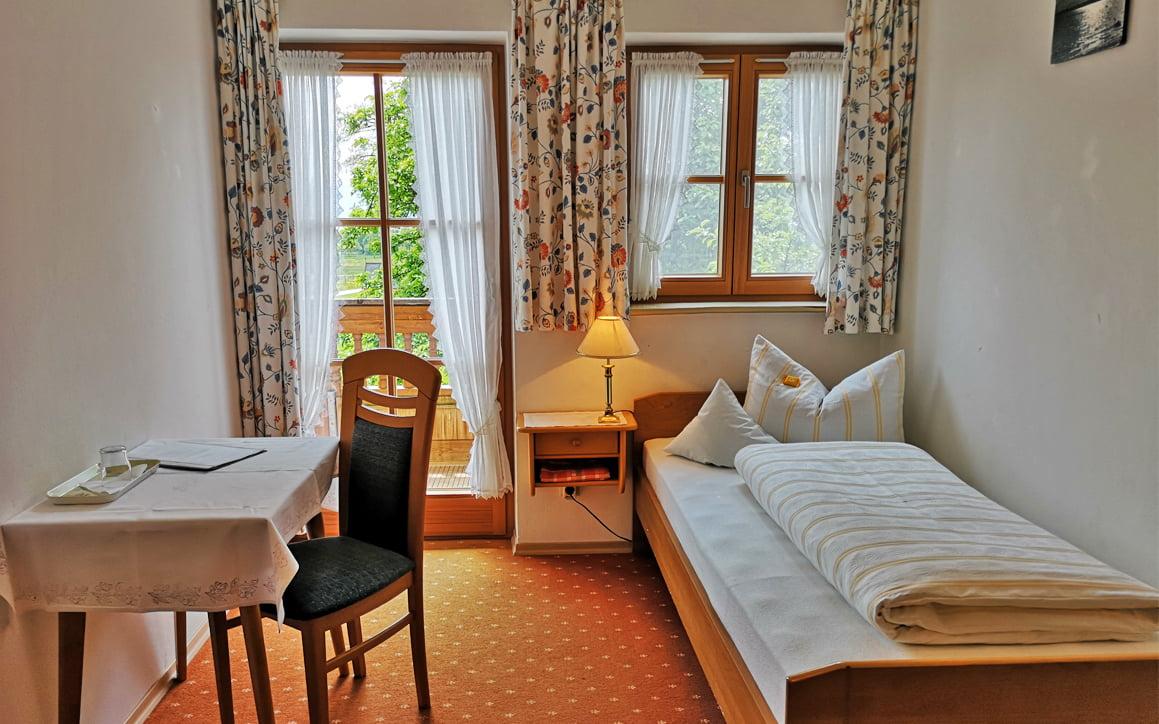 Zimmer Nr. 2 3 - Ferienwohnung Bergblick